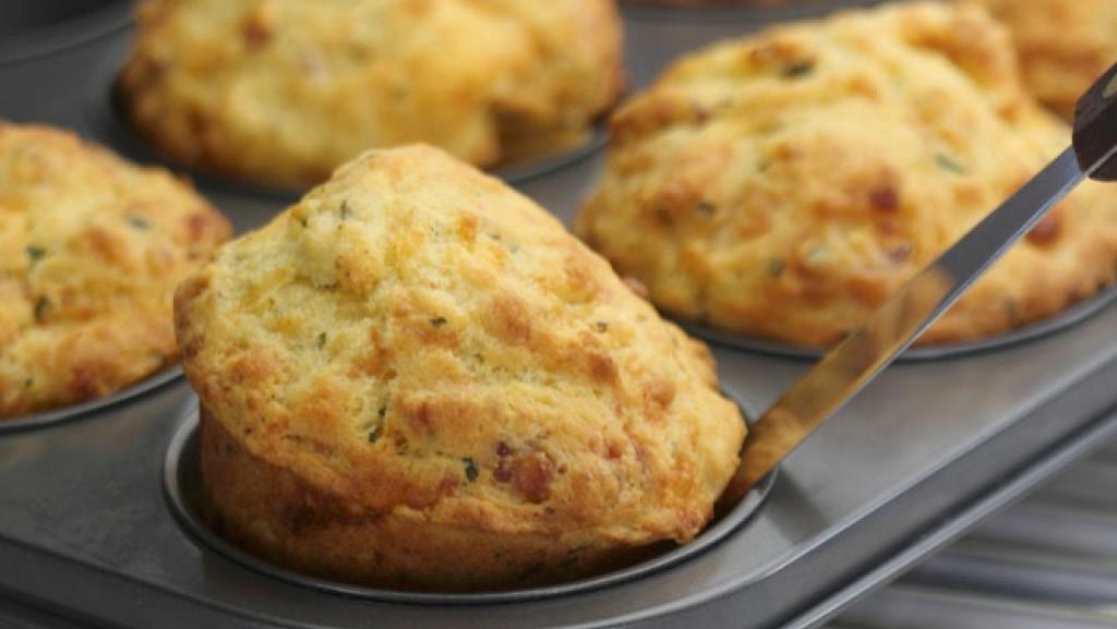 Muffins med parmesanost