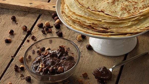 Pannkakor med hemgjord Nutella